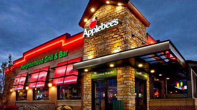 BUILDING MUSCLE AND BURNING FAT…AT APPLEBEE'S?!?