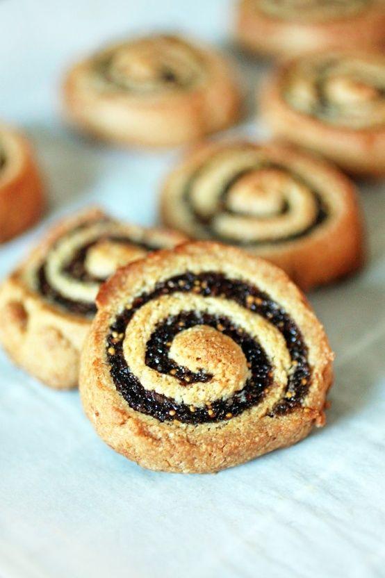 10 Clean Eating Christmas Cookie Recipes PLUS Eggnog!