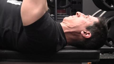 retract shoulder blades in bench press