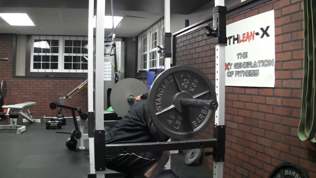 isometric squat hold safe for knees