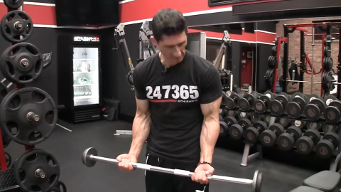 biceps begin to dominate in a typical wrist curl