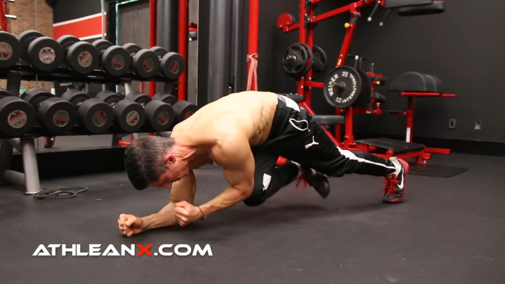 opposite side elbow to knee abs exercise