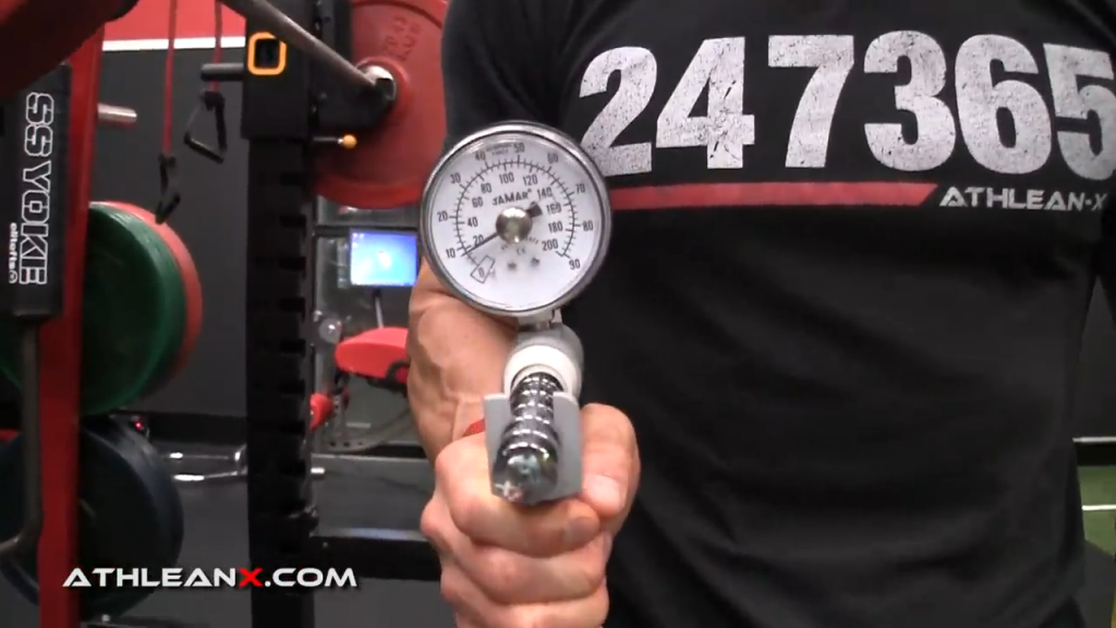 how to use a hand grip dynamometer
