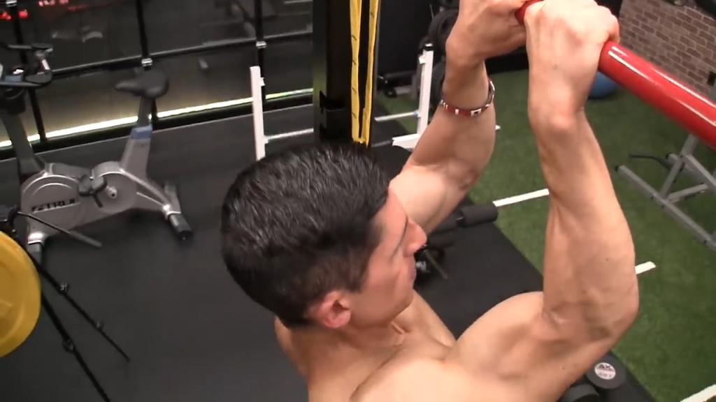 narrow grip pullup to increase biceps width