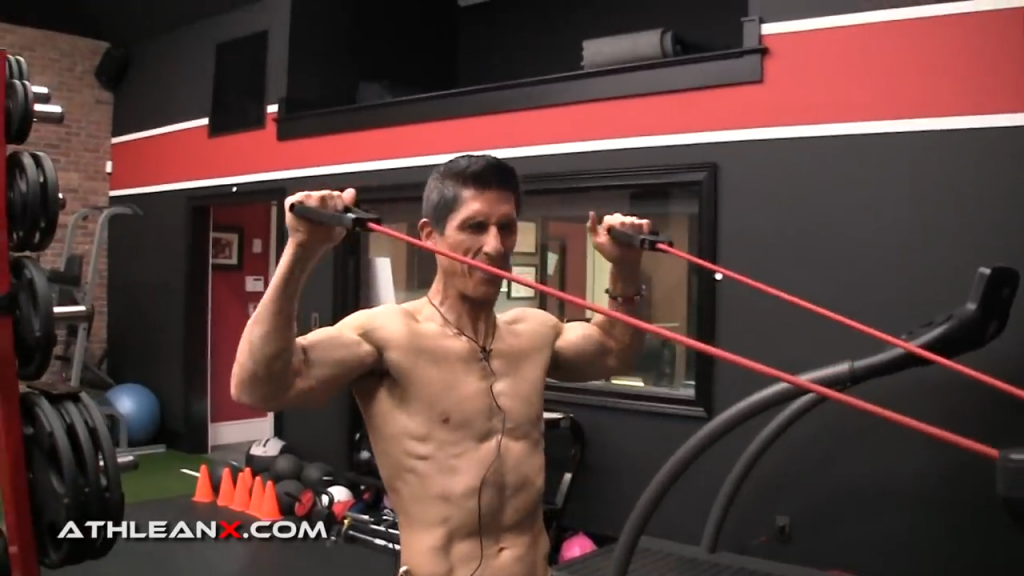 it's hard to do a full range of motion on the face pull using a band