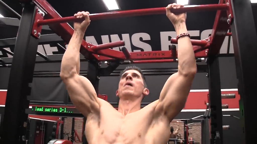 many people don't extend all the way down when doing pullups