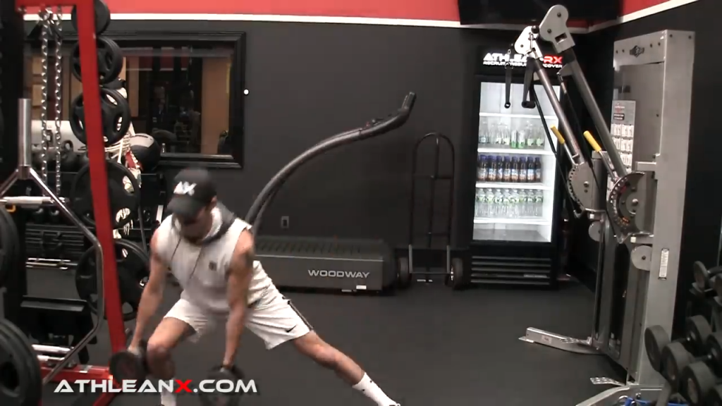 three dimension lunge is good for working legs in all planes